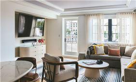 Park Suite Living Space