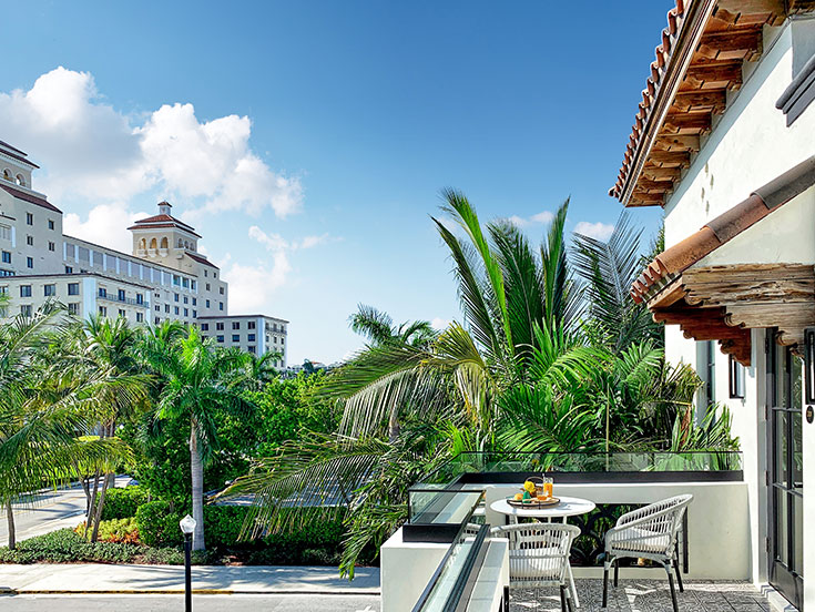 Deluxe One-Bedroom Suite with Balcony at White Elephant Palm Beach